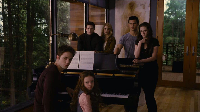 Renesmee Cullen Twilight Saga Twilight Facts Twilight Book