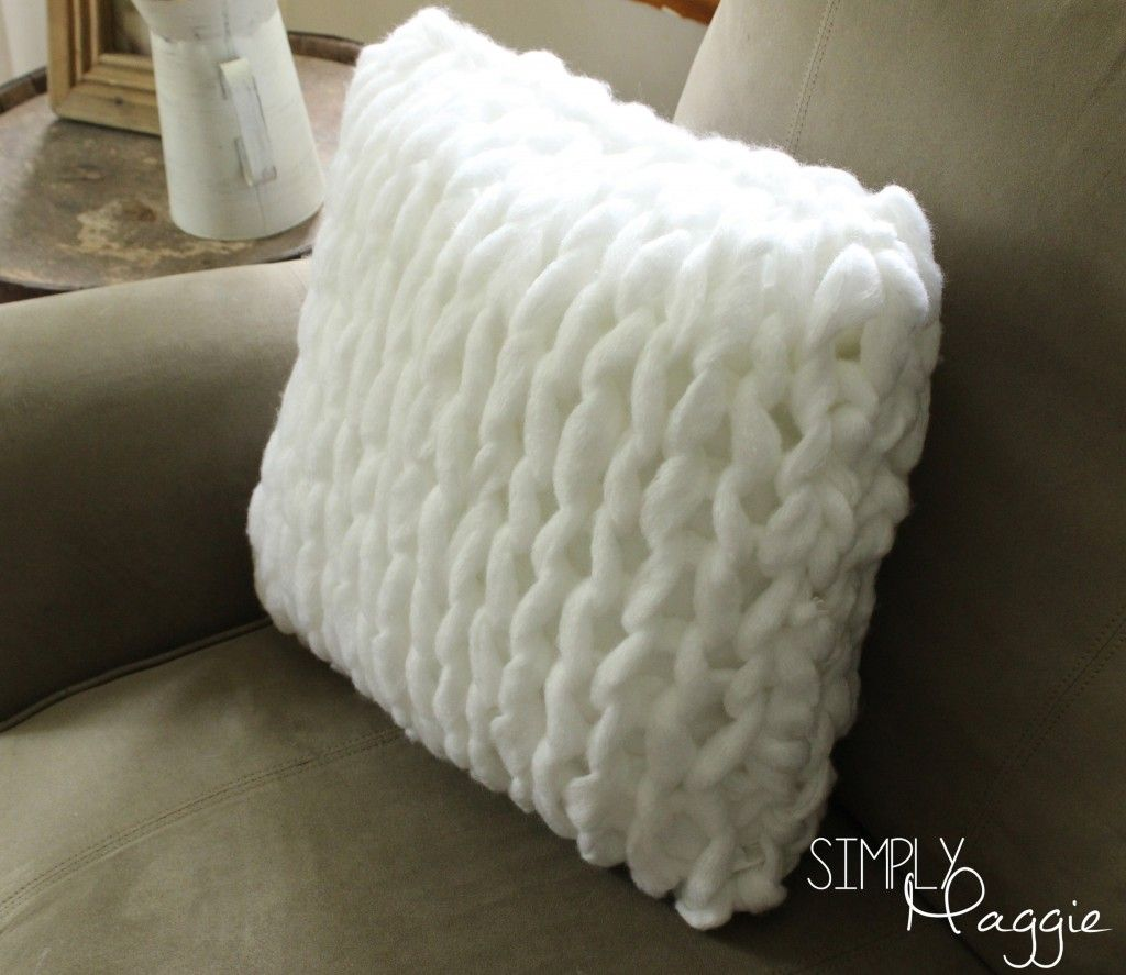 One Hour Arm Knit Pillow Pattern - Simply Maggie | simplymaggie.com ...