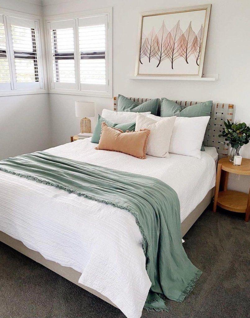 Stunning Earthy Tone Bedroom Ideas - Ideas & Inspo -   17 sage green living room decor inspiration ideas
