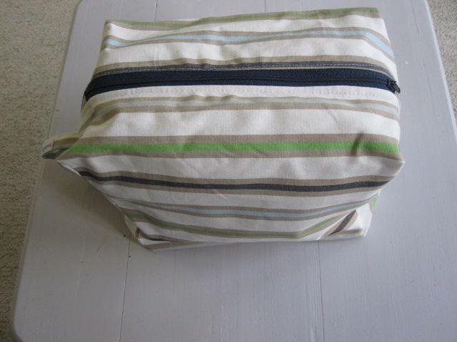 boxy lined washbag
