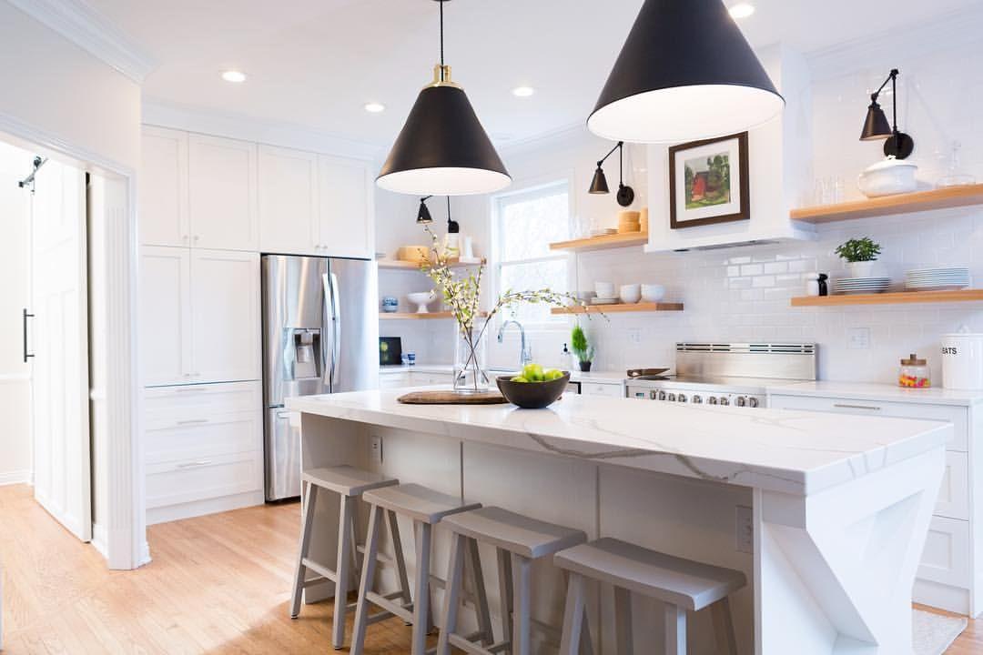 Kitchen Design By Chelsea Horsley Design Modernfarmhouse Quartz Whitekitchen Openshelving Shelf Kitchen Design Declutter Kitchen Kitchen Dining Room