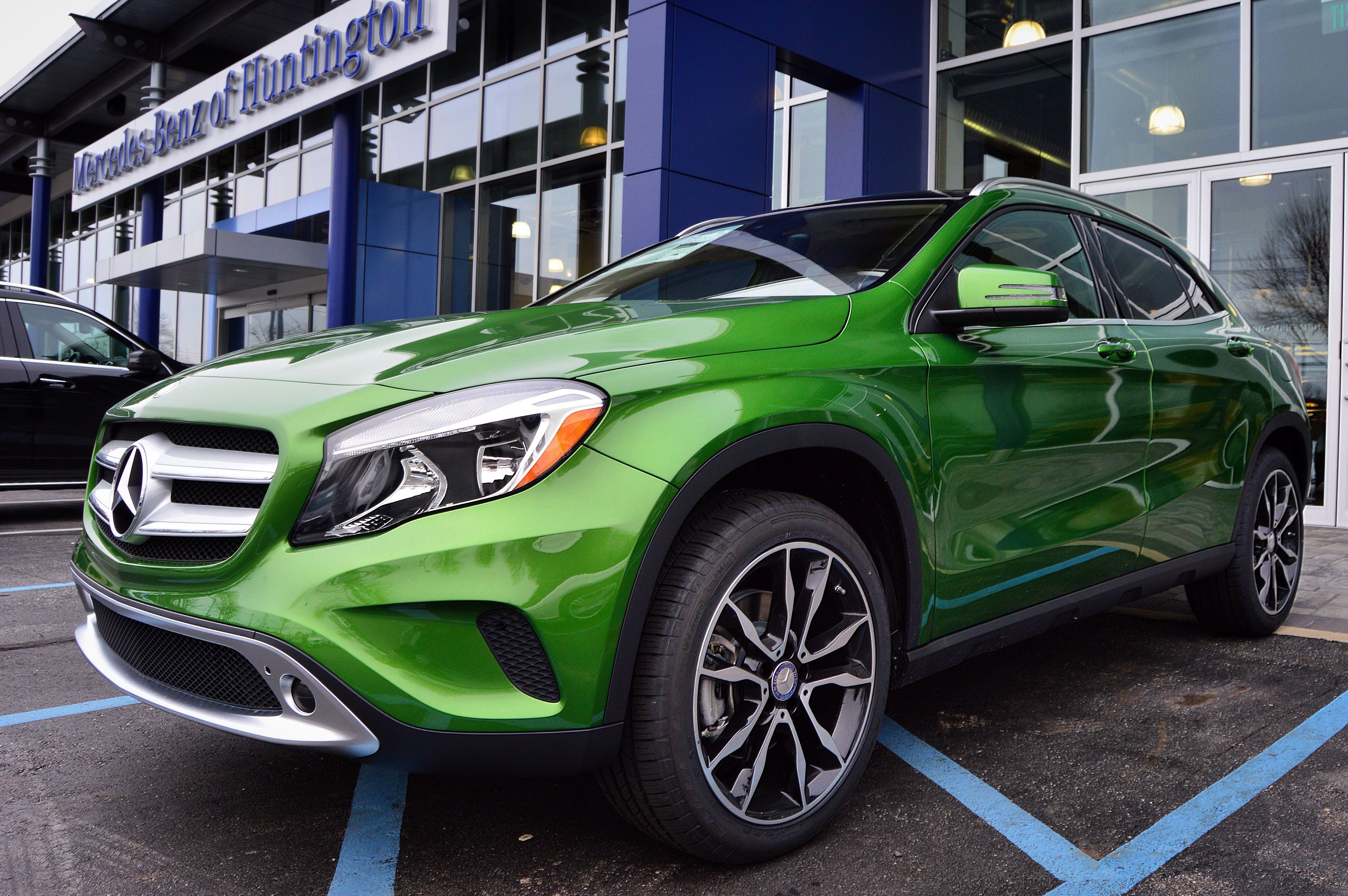Cars kryptonite green gla class mb mercedesbenz mercedes benz