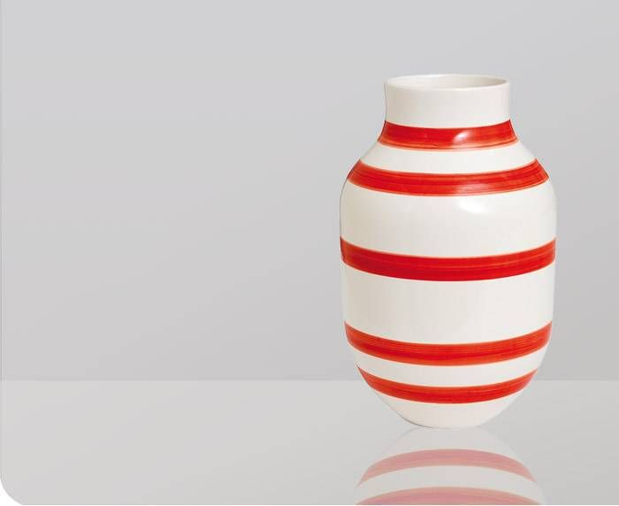 Large Red and White Omaggio Vase - Gretel