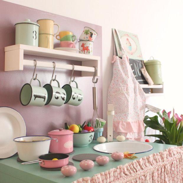 C mo convertir un mueble de ikea en una cocinita de madera - Cocinas de madera para ninos ikea ...