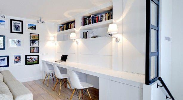 Strak wit lange werktafel van essen idéé voor in de aanbouw
