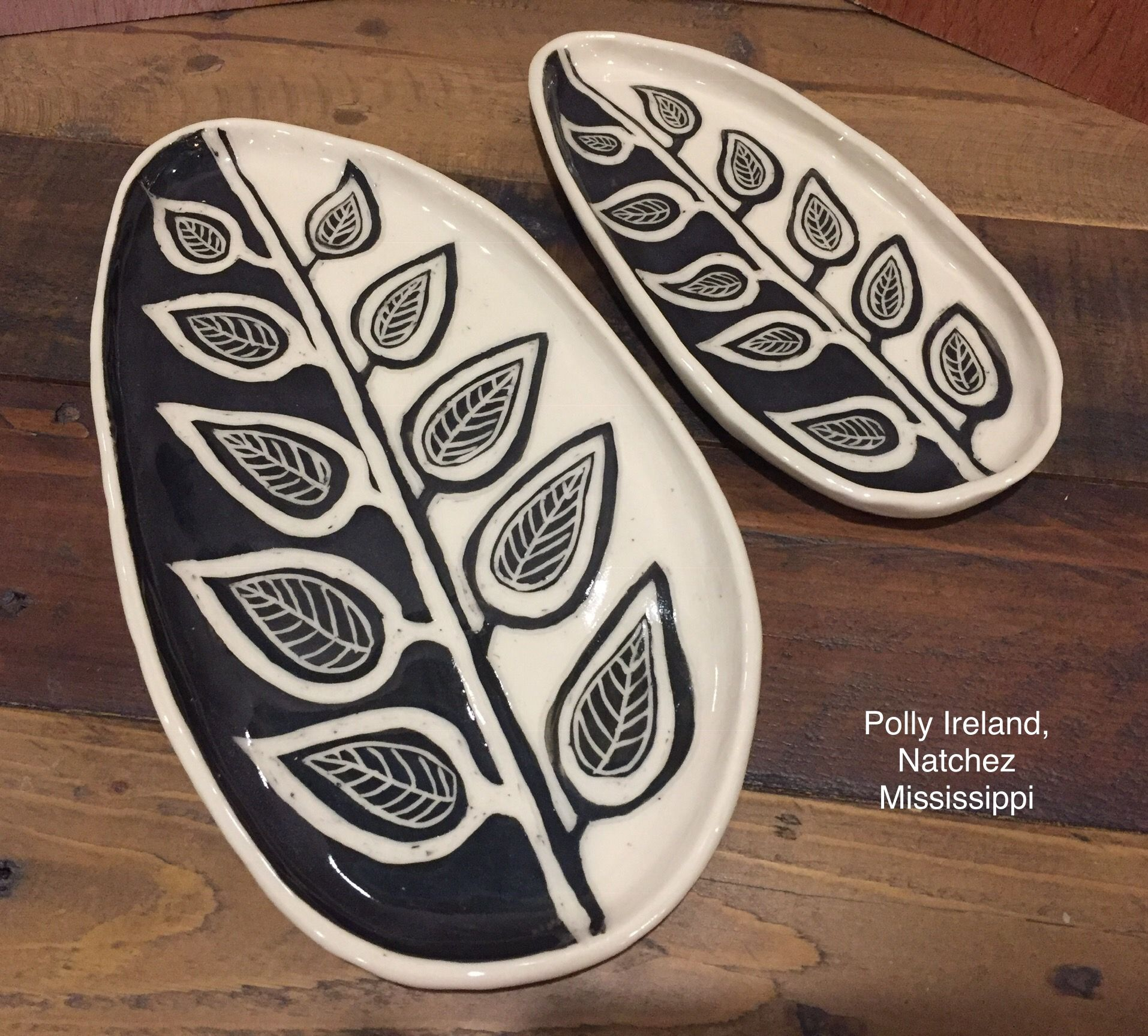 b/&w ceramic platter
