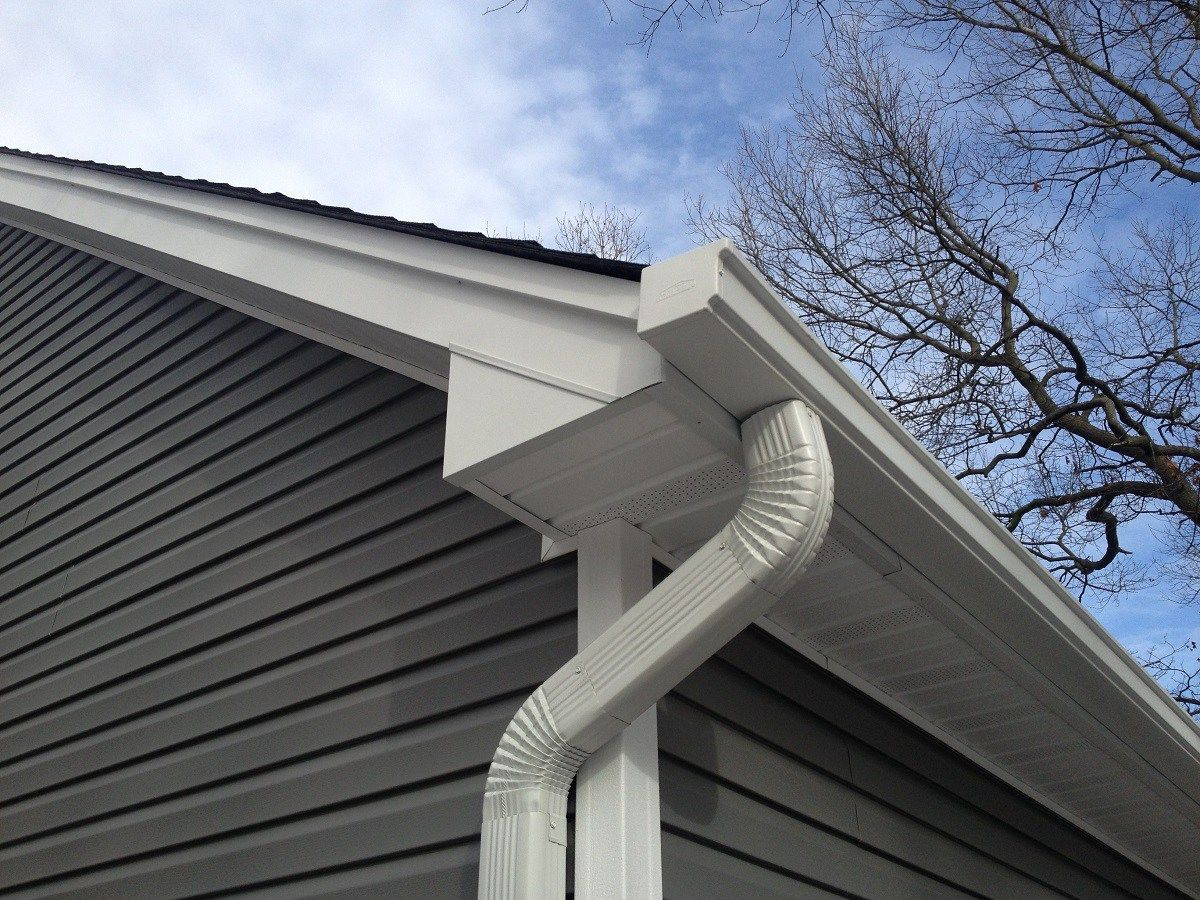 For Some Homeowners Roofing In The Winter Is A Necessity We Work Quickly To Resolve Weather Related Issues For Homeowners In 2020 Roofing House Styles Homeowner