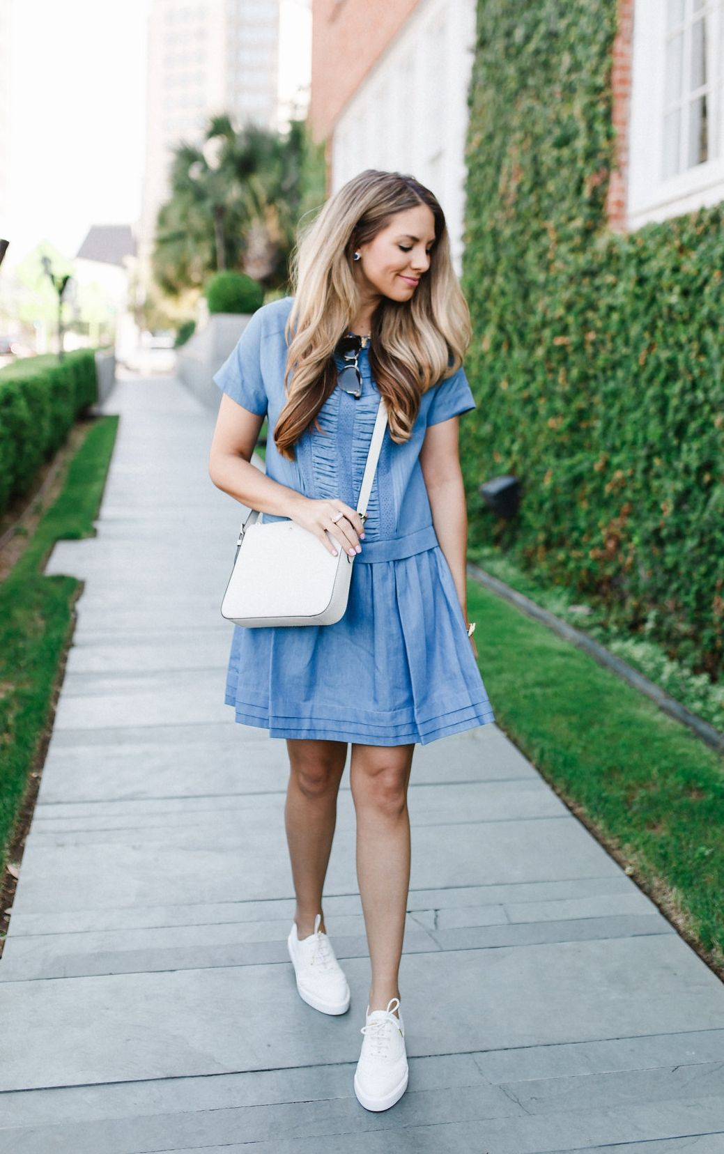 3c1cd0387ff3 Ashley Robertson of The Teacher Diva in her favorite summer combo! kate  spade new york denim dress and sneakers