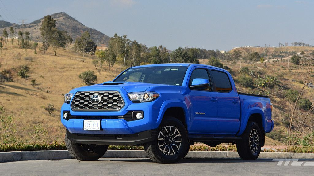 Toyota 2020, a prueba una pickup de doble