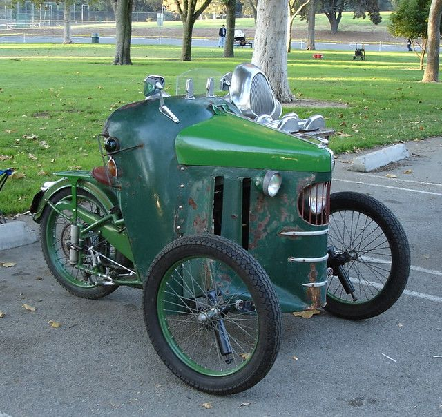 cant get enough of this antique french trike
