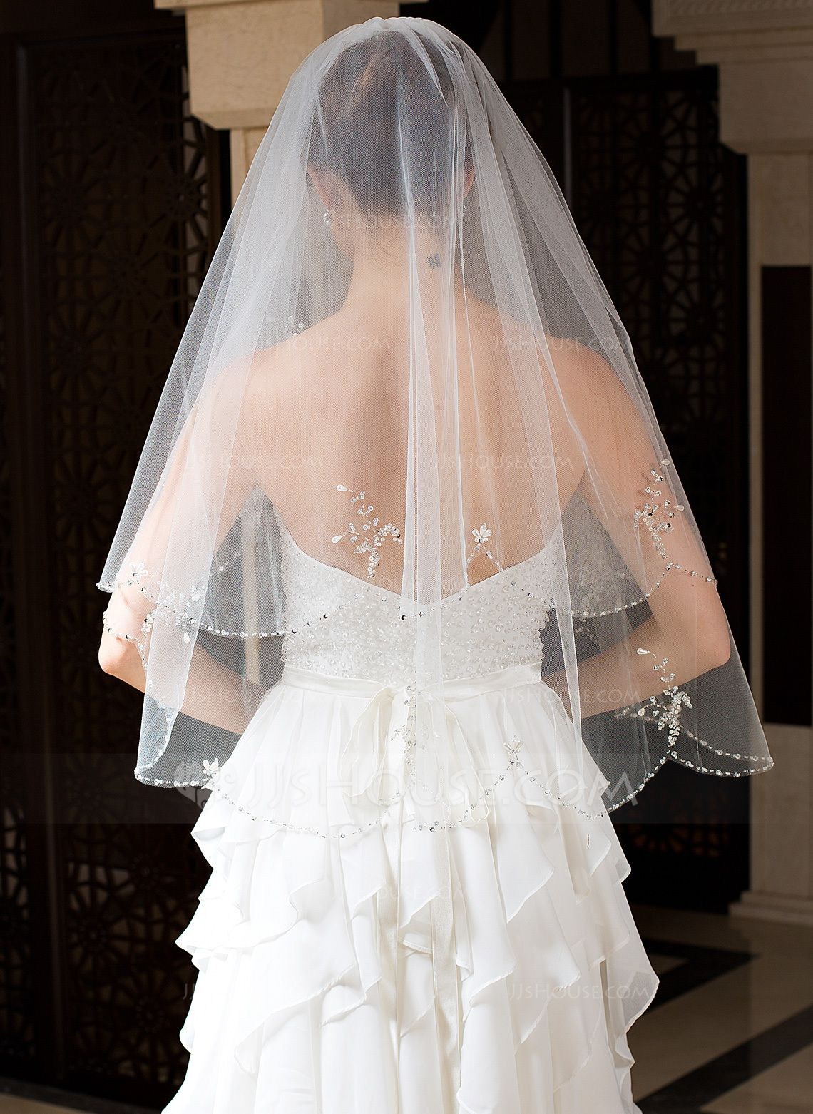 Us 25 00 Two Tier Elbow Bridal Veils With Beaded Edge Jj S House Bridal Veil Wedding Dresses Wedding [ 1562 x 1140 Pixel ]