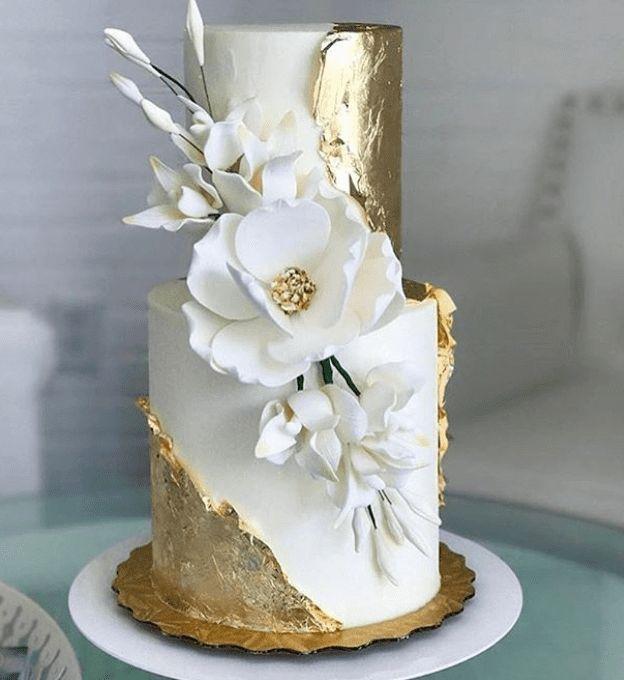 30 Wedding Cakes So Elegant, We Can't Look Away