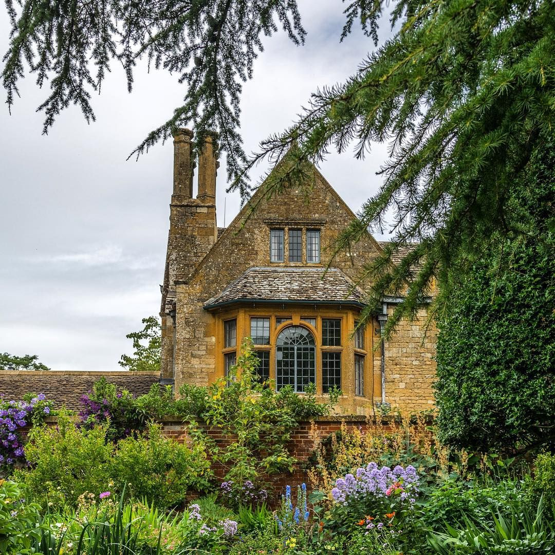 Beautiful Cotswold gardens you need to visit | Garden design & expert advice | Cotswold Life