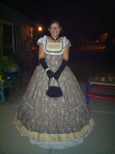 Victorian Gothic Period Dress Size: small