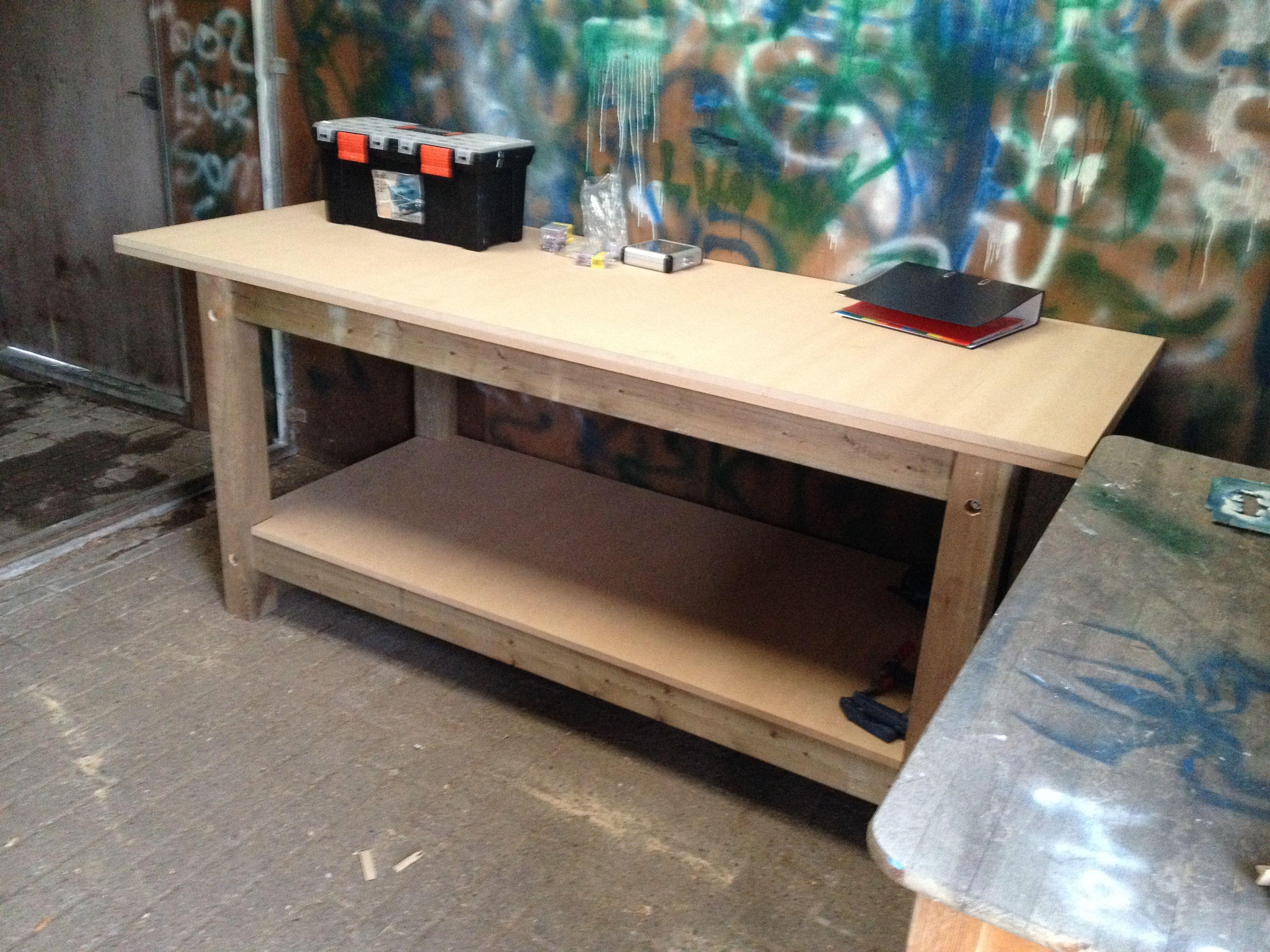 Top zonder werkbank geen meubels maken dus ook maar for Zelf meubels maken van hout