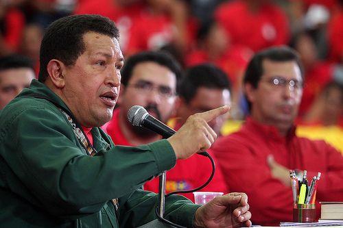Hugo Chavez #cancro: il ritorno in #Venezuela è annunciato su #Twitter #socialnetwork #politica