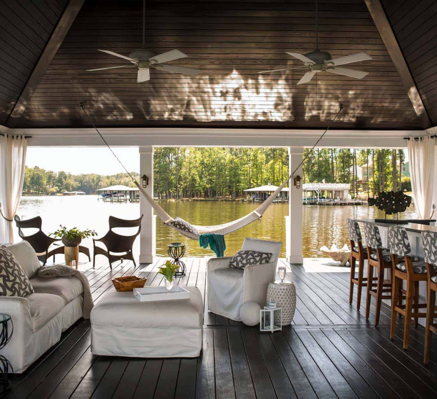 30 Amazing Beach Style Deck Ideas Promoting Relaxation Lake House Lakeside Living Dream House