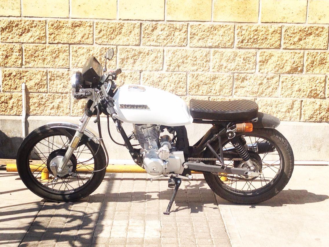 cgl 125 honda tool cafe racer 2 wheeled wonders cafe racer honda honda motorcycle. Black Bedroom Furniture Sets. Home Design Ideas
