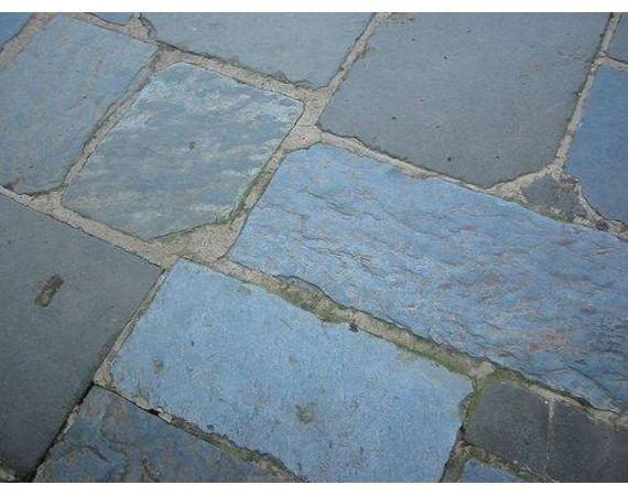 Do It Yourself Slate Stone Patio Ehow Patio Stones Slate Patio Patio Tiles