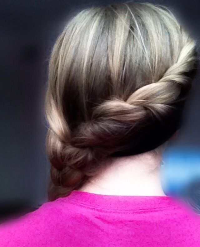 Simple Twist Back Into Braid 1 Twist One Piece Of Hair Over Another Then Pick Up More Hair Every Twist 2 Keep Going Unti Hair Hair Styles Long Hair Styles