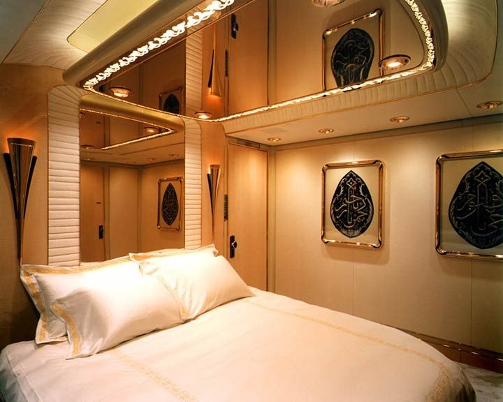 My plane\'s main bedroom... | Luxe | Bedroom ceiling, Private jet ...