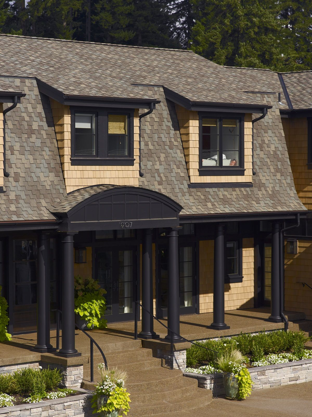 Certainteed Presidential Shake In Country Gray Roofing Shingle Roofing Residential Roofing House Yard