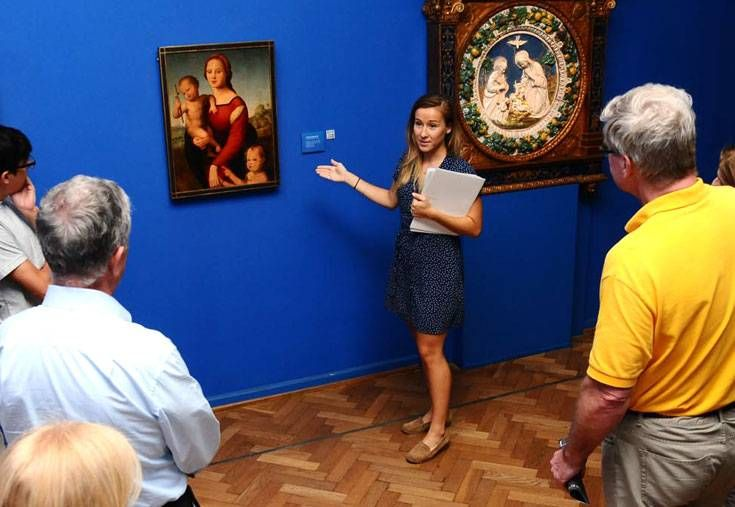 THE ARTS: Museo Nacional de Bellas Artes Free english guided tours Tuesday, Thursday and Friday at 12.30, and on Saturday at 2 pm.