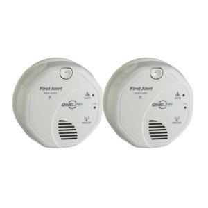 first alert wireless interconnect smoke detector 2 pack. Black Bedroom Furniture Sets. Home Design Ideas