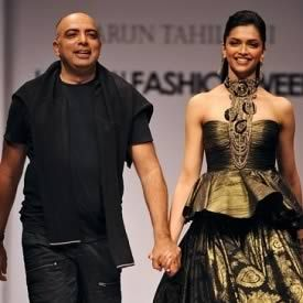 Tarun Tahiliani Is India S Most Famous Fashion Designer He Specializes In Bridal And Wedding Fashion Designers Famous Bridal Dress Design Indian Bridal Dress