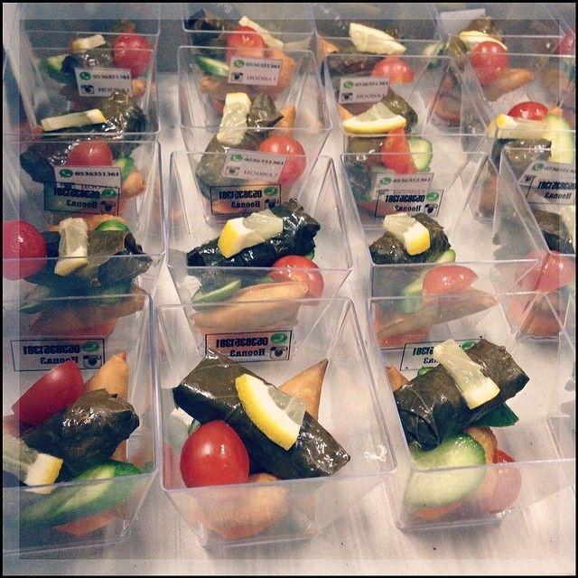 توزيعات ميني مقبلات ورق عنب كفته سمبوسه حفلة ضيافة توزيعات تصوير تقديم Food Eid Food Food Presentation