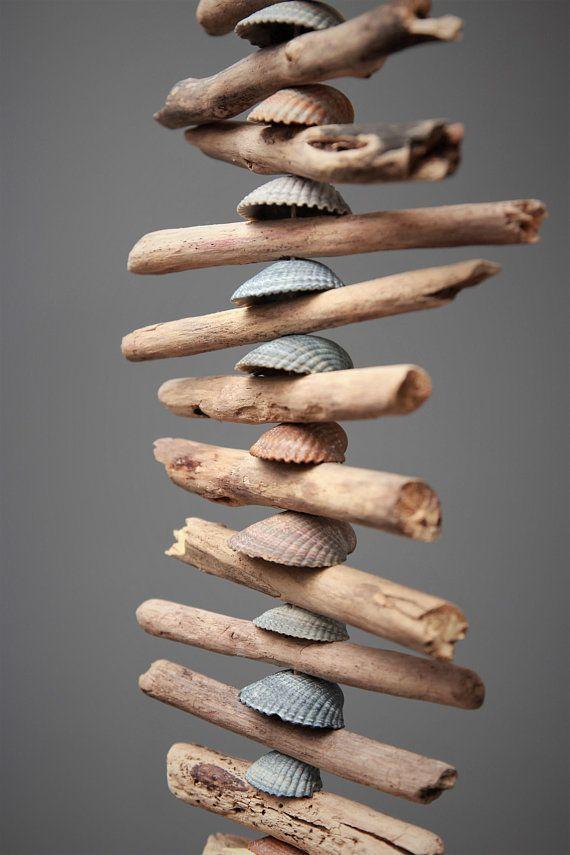 Treibholz-Girlande mit Muscheln und Glücksstein