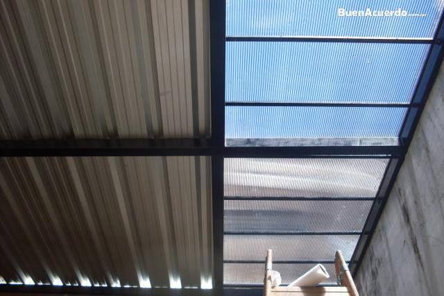 Techo de chapa trapezoidal y policarbonato techos de - Techo transparente policarbonato ...