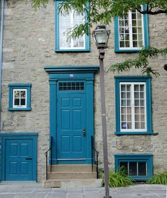 Make a bold beautiful statement paint your front door for Door frame color ideas