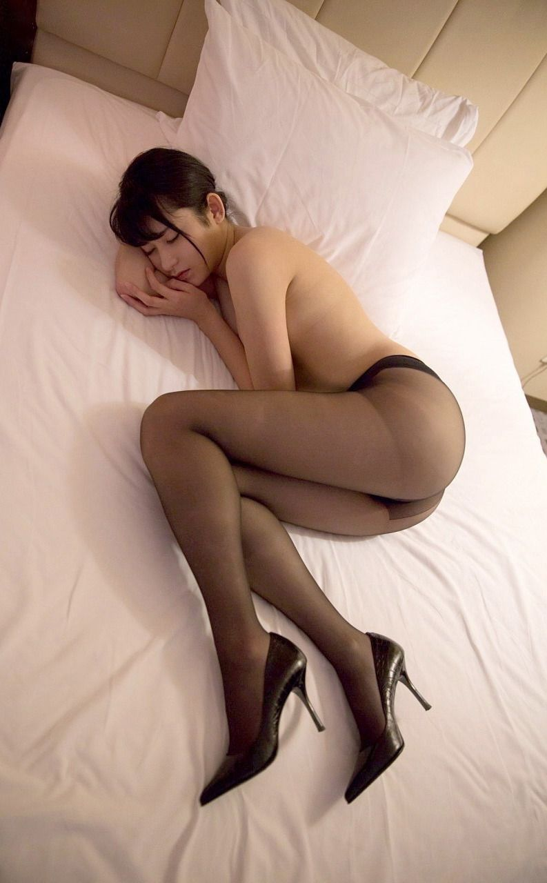 Pictures of japanese girls in pantyhose — img 5