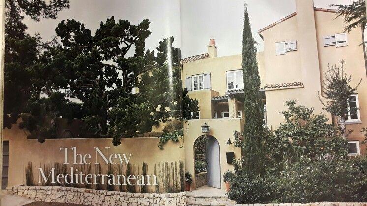 Casa de influencias mediterráneas  actual. Revista Beatiful Homes