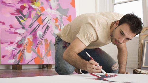 artist painting sitting on floor - Cerca con Google