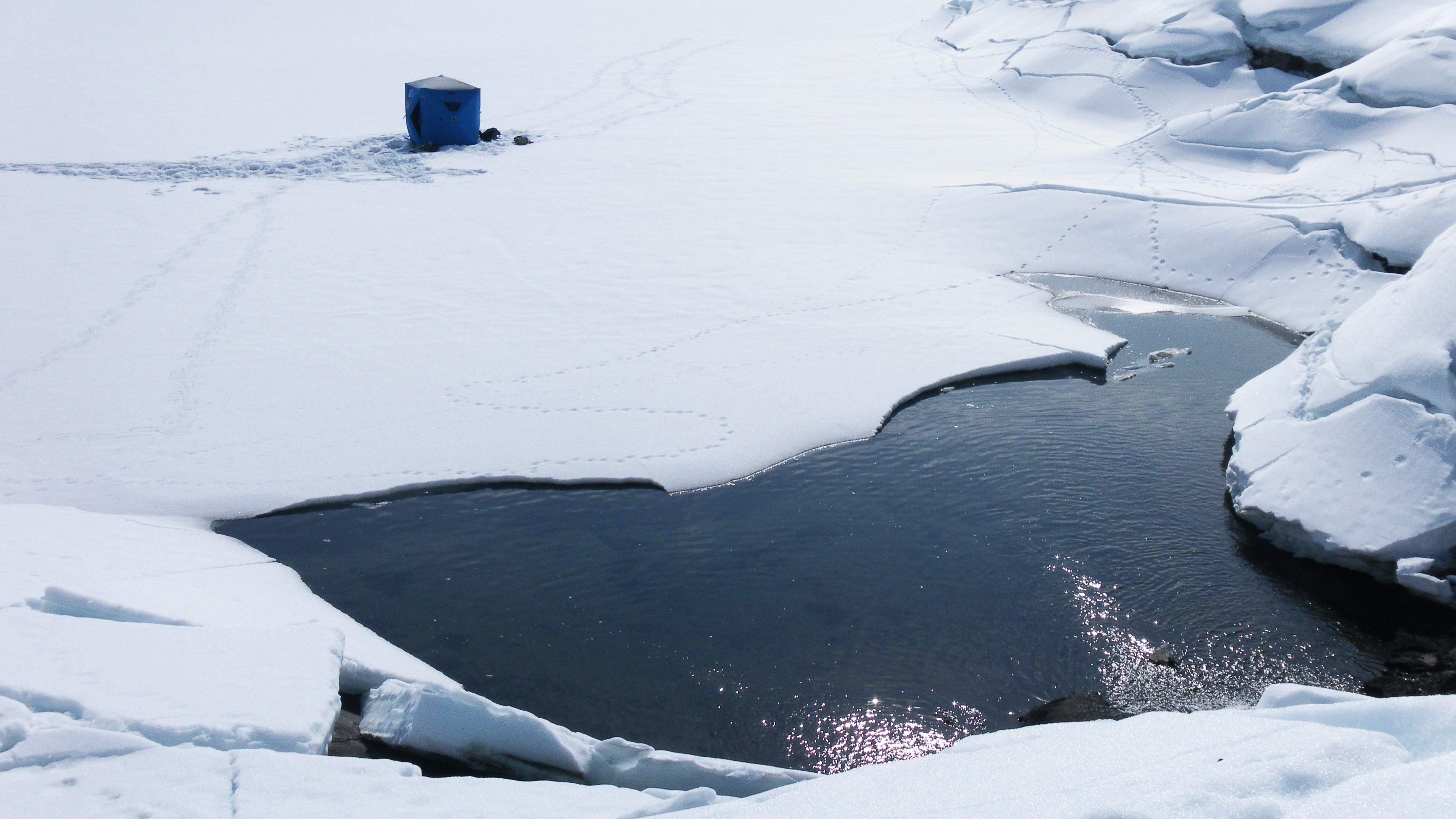 Icefishing Camp Extreme 2000 Alt.