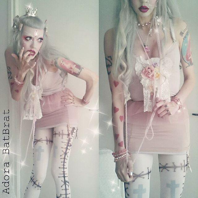 teenage-goth-pink-nude-nerd