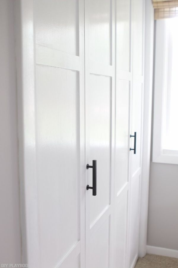 Neutral Bedroom Reveal With Lowe S Home Improvement Diy Playbook Modern Closet Doors Diy Closet Doors Folding Closet Doors