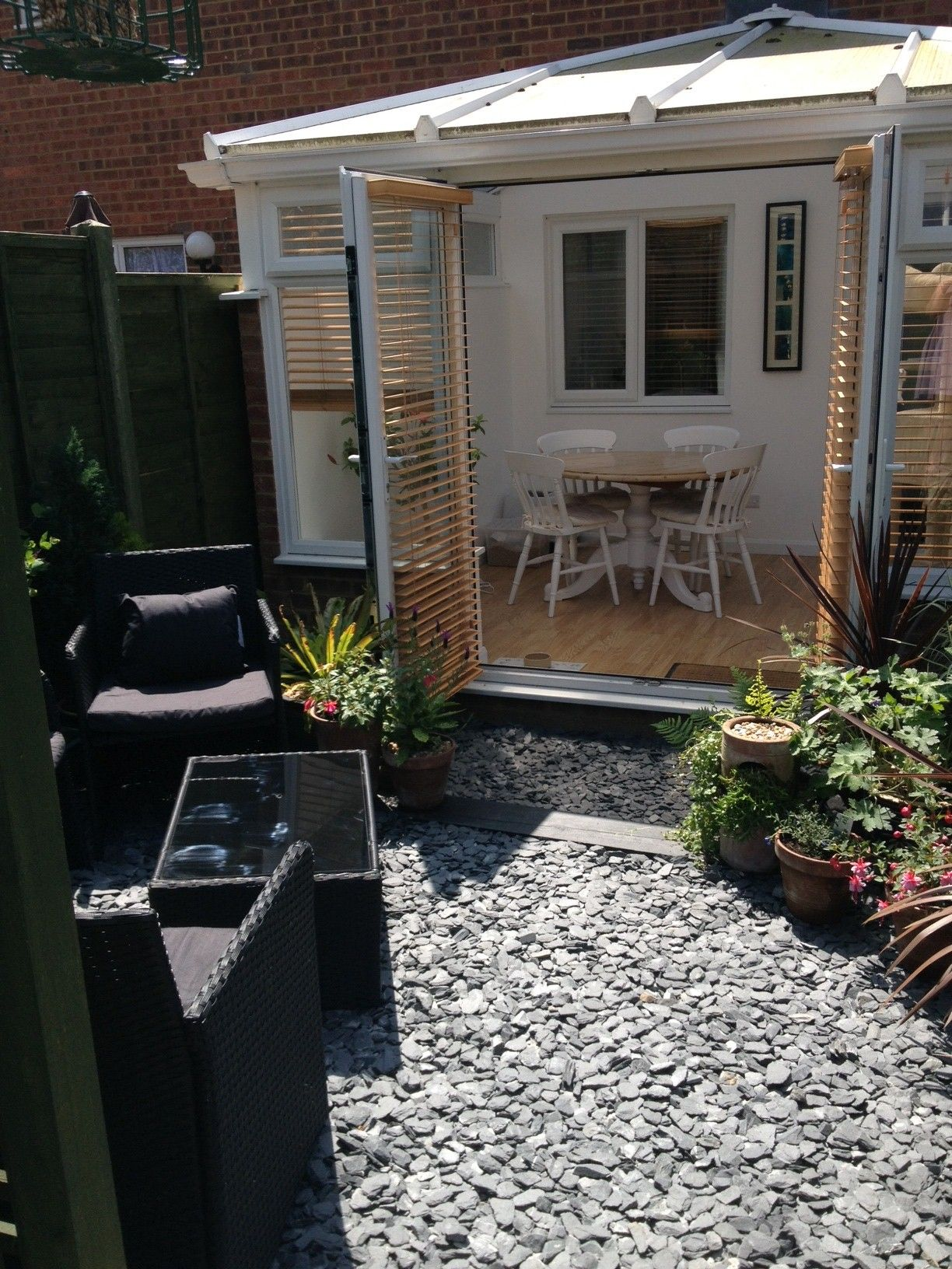 grey slate used to create a stylish garden design 20mm grey