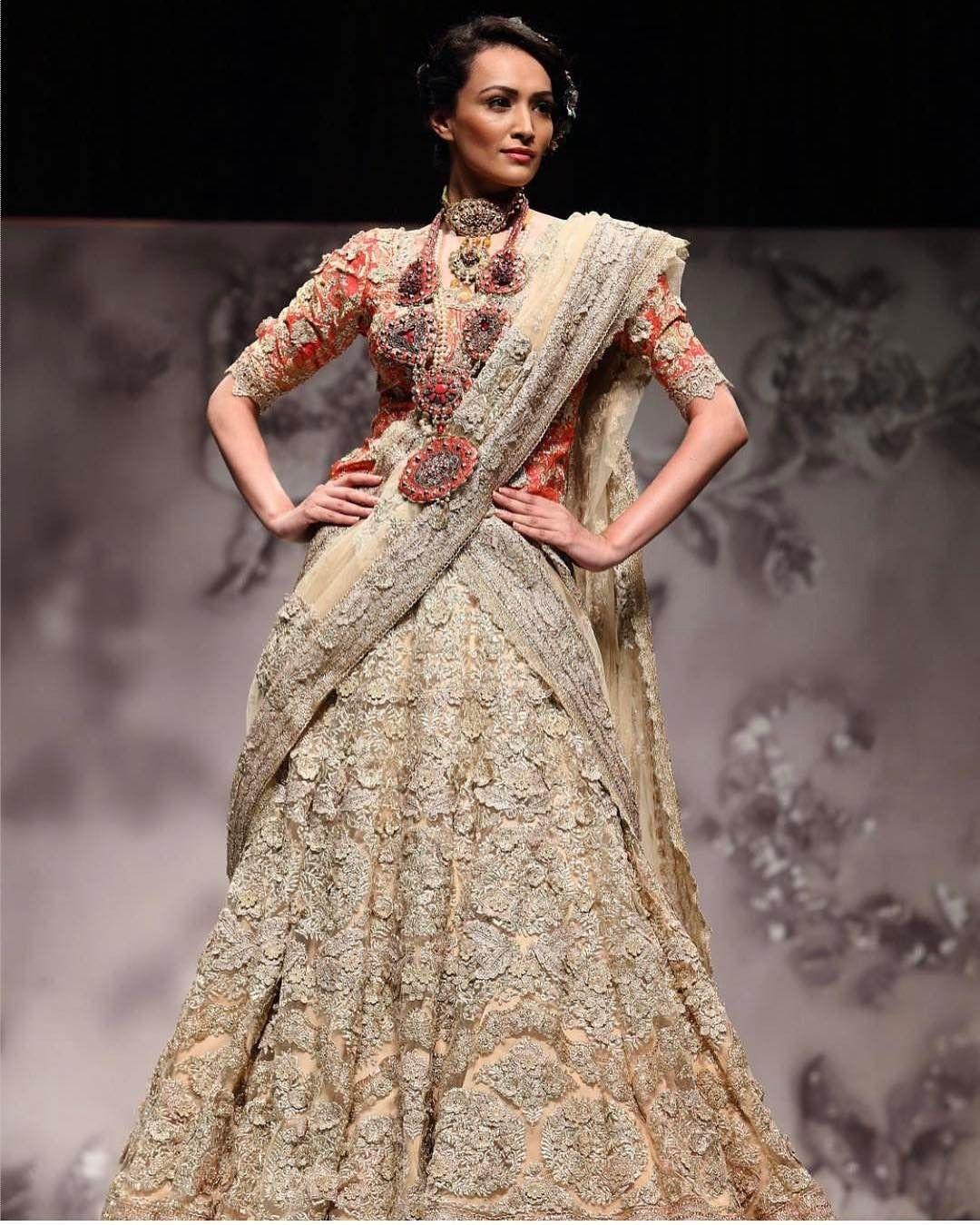 "2,187 Likes, 5 Comments - Indianstreetfashion (@indianstreetfashion) on Instagram: ""Pallavi Jaikishan couture """