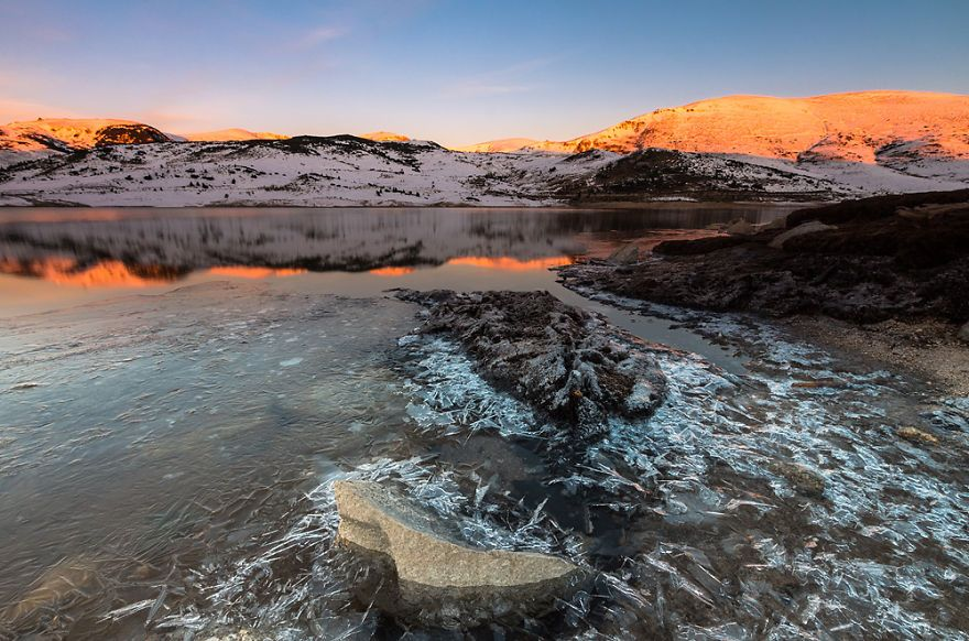 Belmeken Lake In Rila National Park - Bulgaria 15+ Breathtaking Frozen Lakes, Oceans And Ponds, That Look Like Art