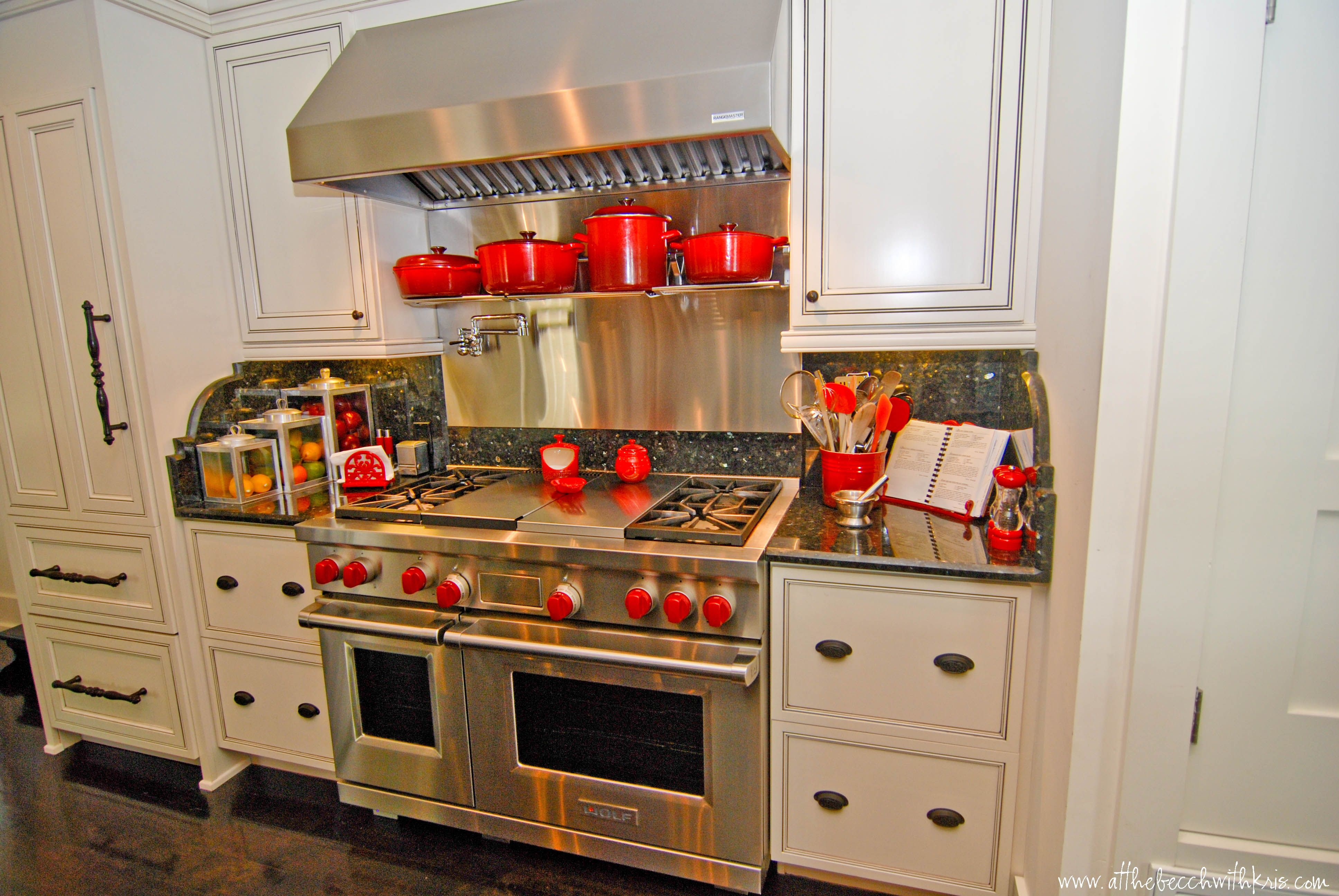 Love The White Cabinets And Black Pin Stripe Stove Is Super Hot Too Kitchen Cabinets White Cabinets Kitchen