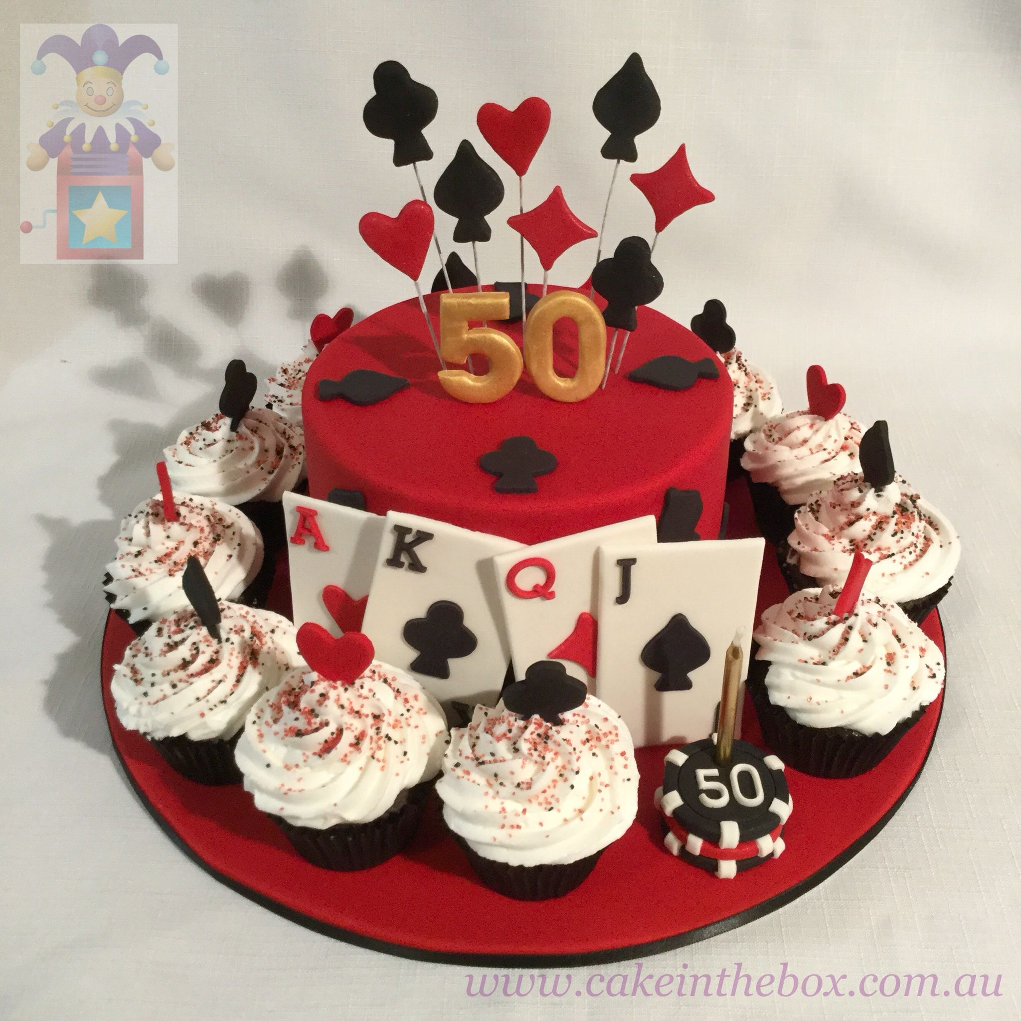 Decoration Pate A Sucre Cupcake A Casino Cake Surrounded By Cupcakes Fète Casino