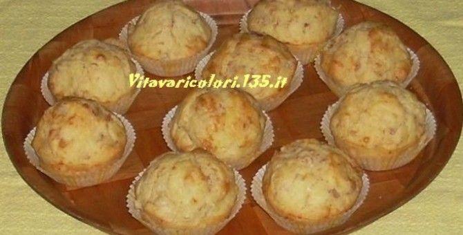 I muffin salati sono degli appetitosi finger food, ideali per un buffet o per un pic nic, perfetti per un aperitivo.