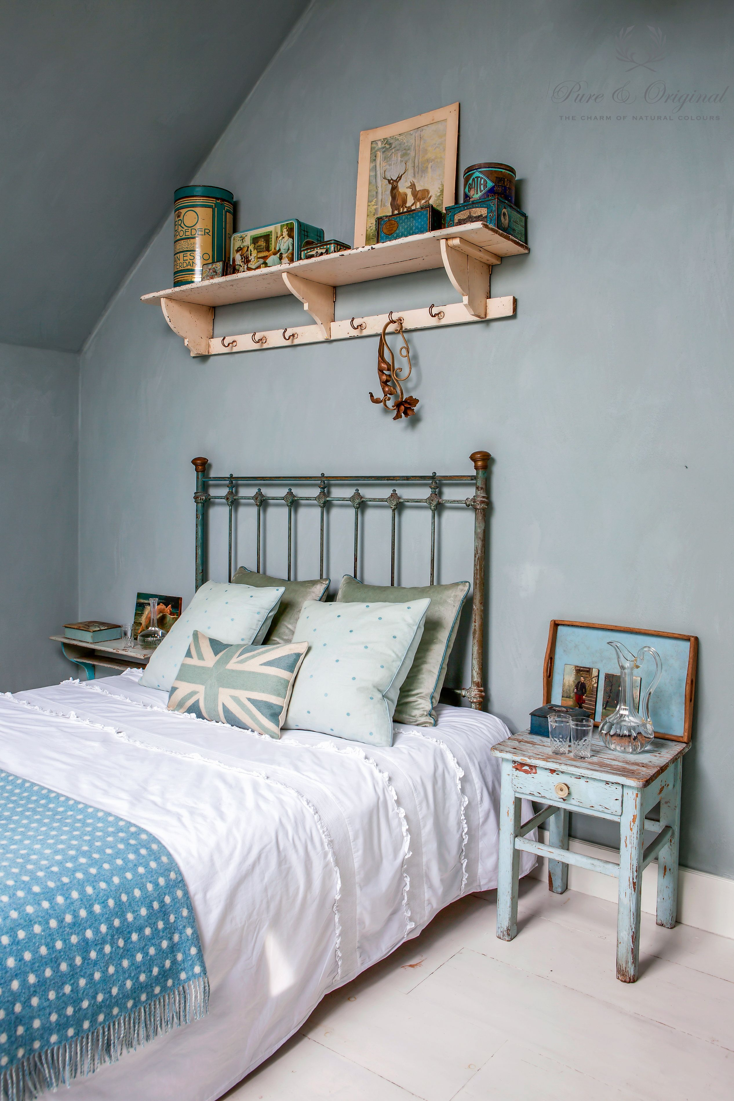 Fresco lime paint, kalkverf, colour Blue Reef use in the bedroom ...