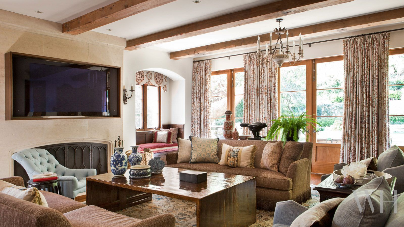 Traditional Small Home Bar Family Room Design Ideas Pictures Remodel Decor