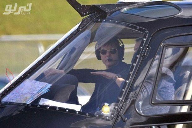 صور النجم توم كروز يتعلم قيادة الطائرات موقع تيربو العرب Tom Cruise Cruise Surrey