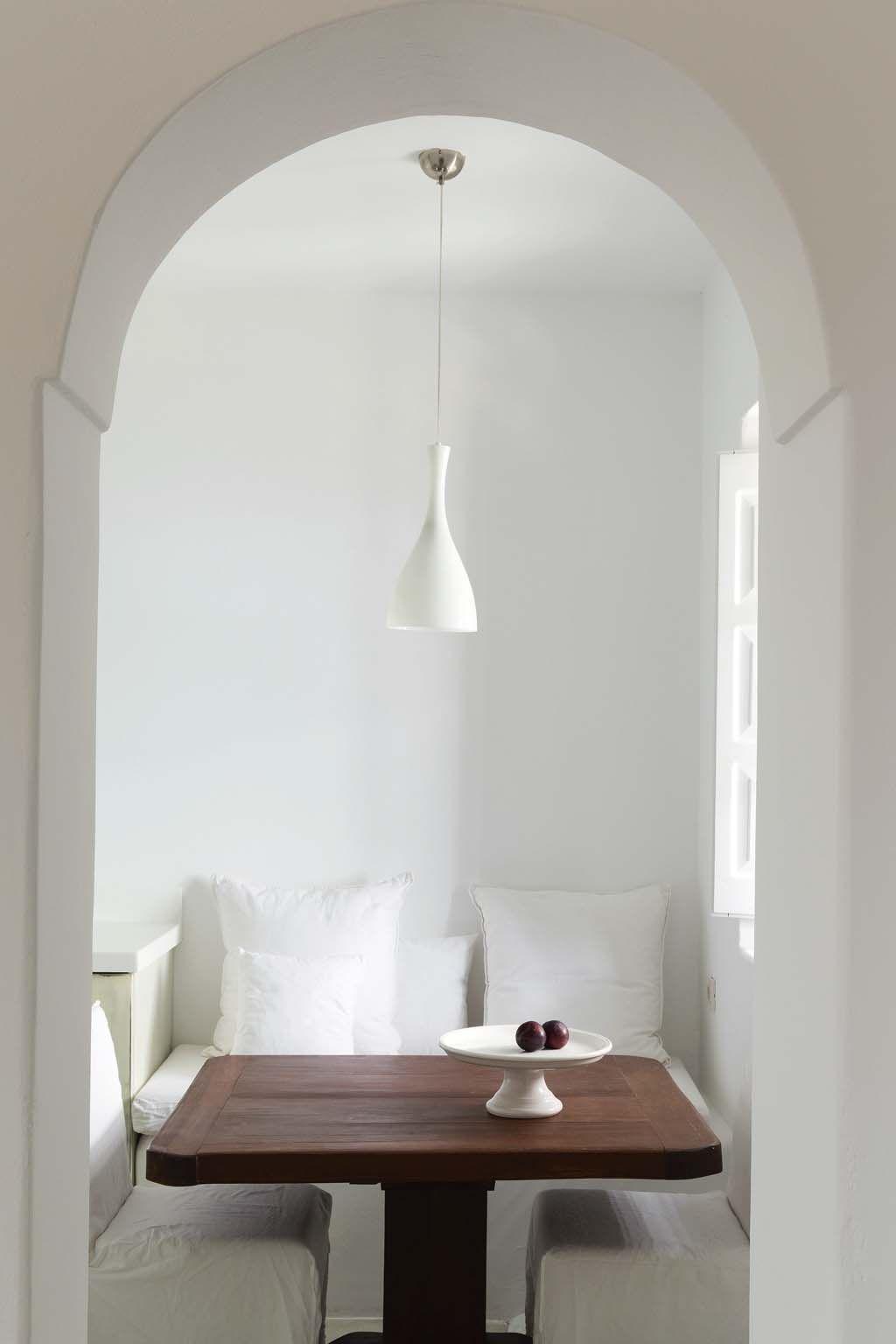 Santorin Des Villas De Reve Avec Vue Sur La Mer Villa De Reve Interieur Et Deco Design
