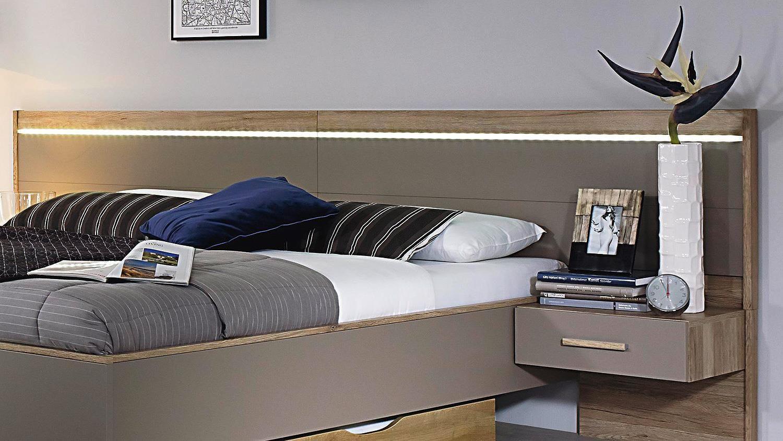 Ideal Bettanlage Ulm von Rauch Bett mit zwei Nachtkommoden mit je ein Schubkasten Schlafzimmerm beln in fango und Eiche Sanremo hell Bei M bel Akut
